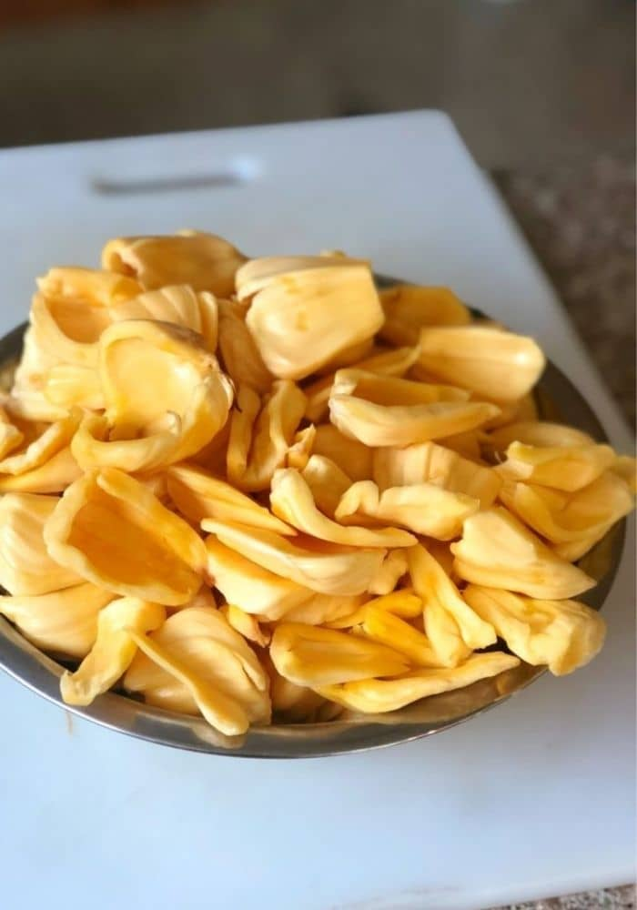 How To Cut Jackfruit and How To Eat It