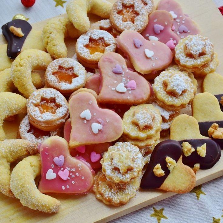 25 Easy Christmas Cookies for the Holiday Season